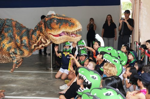 "Baby T-Rex Say ""Hi"" to the students"