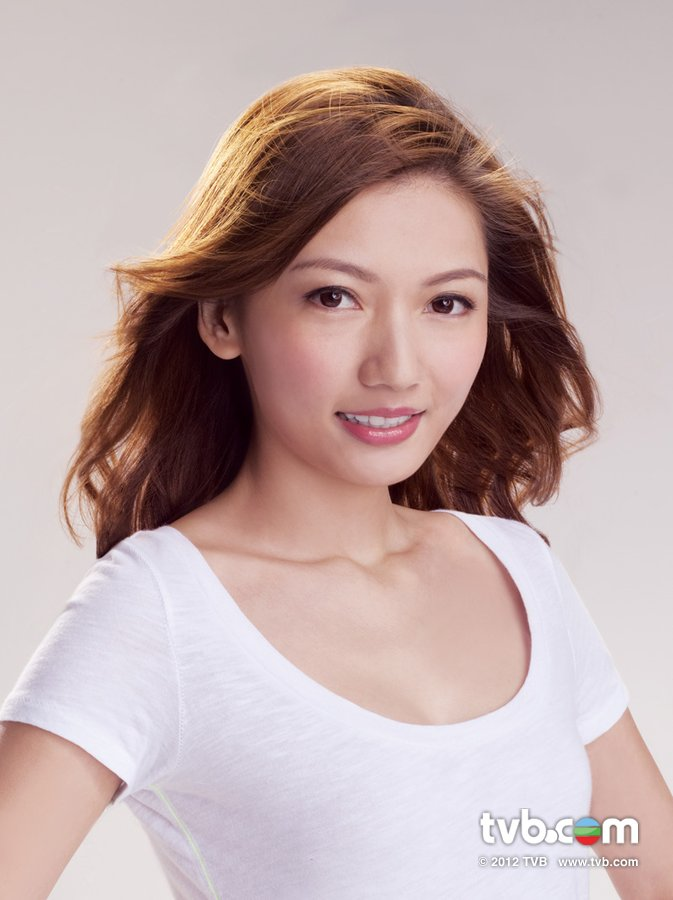 《2012香港小姐競選》官方相片 鍾麗 Kayley Chung