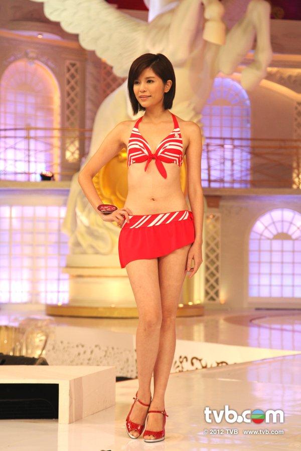 陳潔玲《2012香港小姐競選決賽》候選佳麗泳裝綵排暨試戴后冠