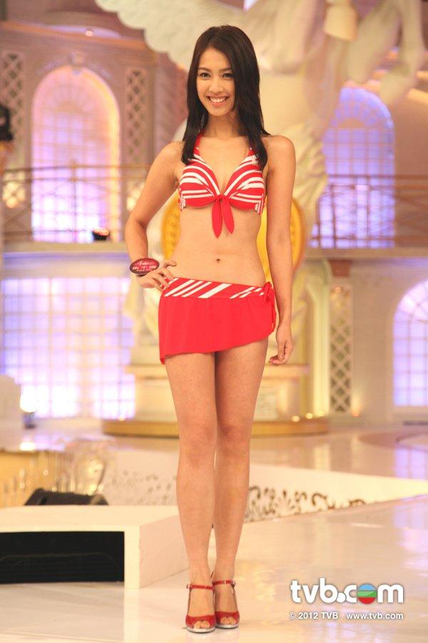 朱千雪《2012香港小姐競選決賽》候選佳麗泳裝綵排暨試戴后冠