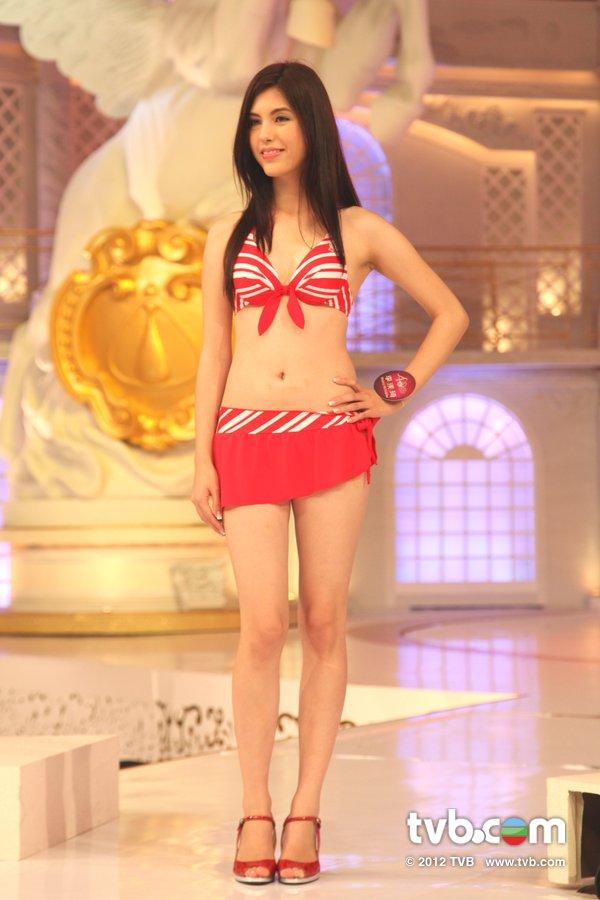 李渼琦《2012香港小姐競選決賽》候選佳麗泳裝綵排暨試戴后冠