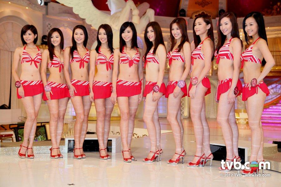 《2012香港小姐競選決賽》候選佳麗泳裝綵排暨試戴后冠